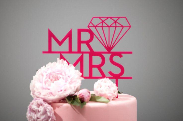 Cake Topper, Hochzeitstorte, Mr. Mrs., pink von Lucky You auf DaWanda ...