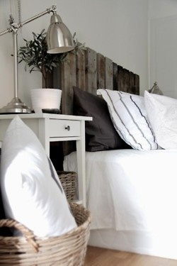 Home Decorating on Pallet Headboard   Home Decor