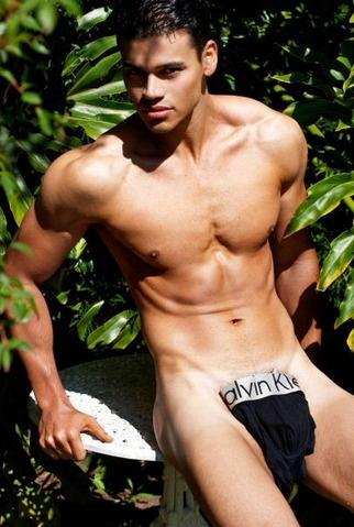 Calvin Klein | Hot boys in Calvin Klein undies. | Pinterest: pinterest.com/pin/354095589421845675