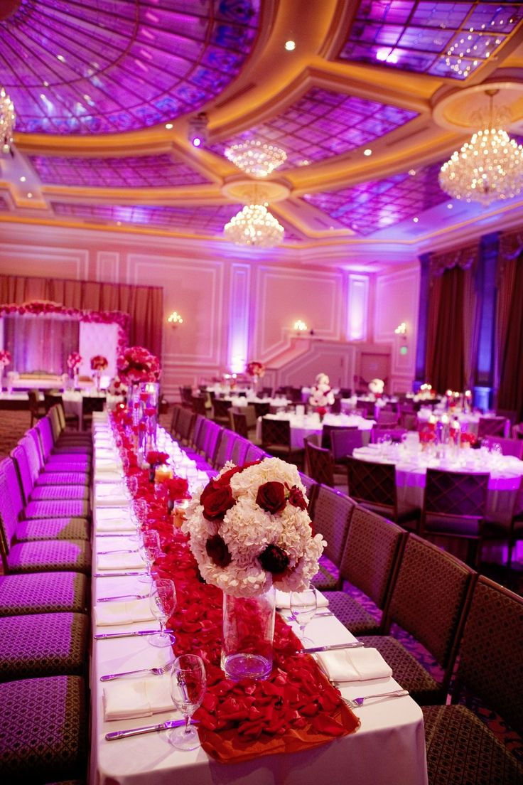 Red carpet glam wedding decor party ideas pinterest for Hollywood glam decor