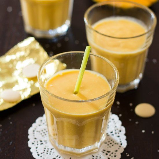 White chocolate, mangos and a touch of honey make this smoothie extra ...