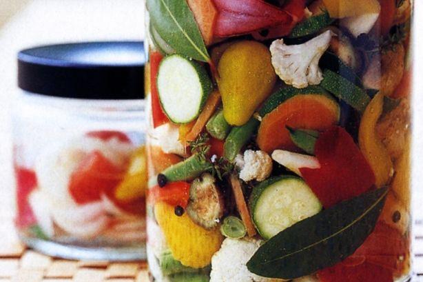 Giardiniera  italian pickled vegetables Italian Pickled Vegetables