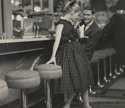 Why Bowling Is a Great First Date