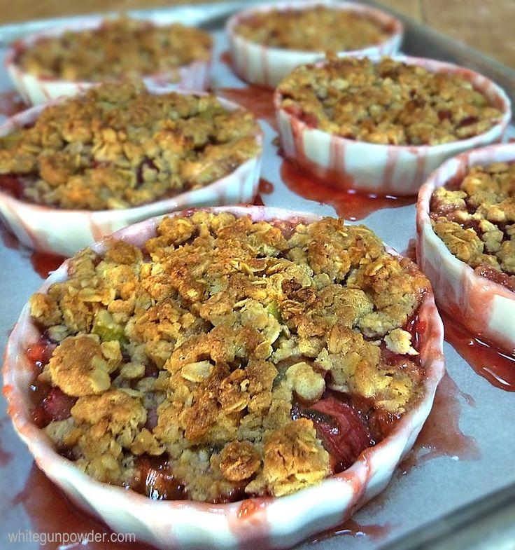 Rhubarb Strawberry Crisp | Recipes that I LOVE | Pinterest