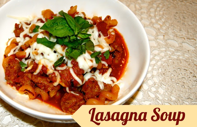 Deconstructed Lasagna: lasagna soup perfect for a rainy day