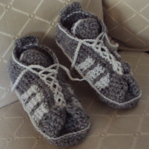 Free Crochet Pattern Tennis Shoes : Youth-3-Stripe-Tennis-Shoes Youth & Toddler Slipper ...