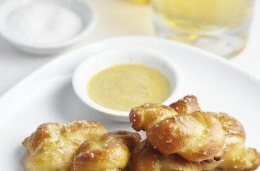 Mini Soft Pretzel Bites — Punchfork | Baked Goods | Pinterest
