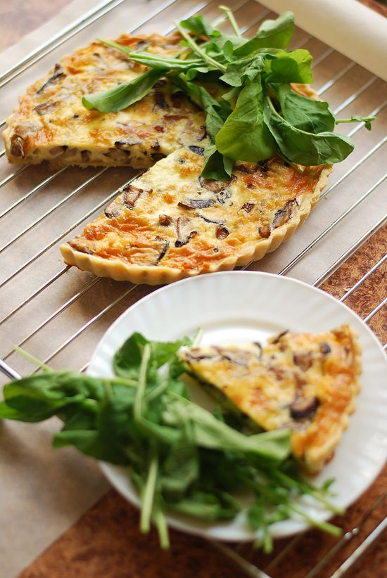 Caramelized Onion and Mushroom Quiche | Get into my belly! | Pinterest