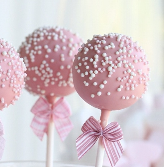 Pretty pink cake pops! Cake Pops Pinterest