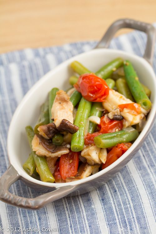 Green Beans with Tomatoes and Shiitake Mushrooms
