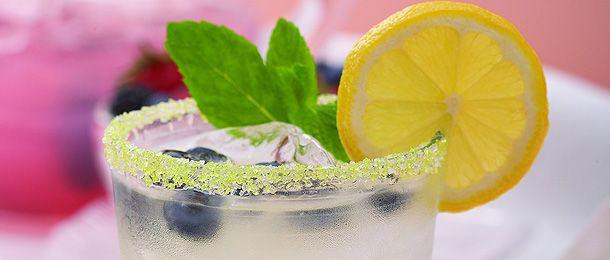 Blueberry Mint Lemonade | drinks n jello | Pinterest