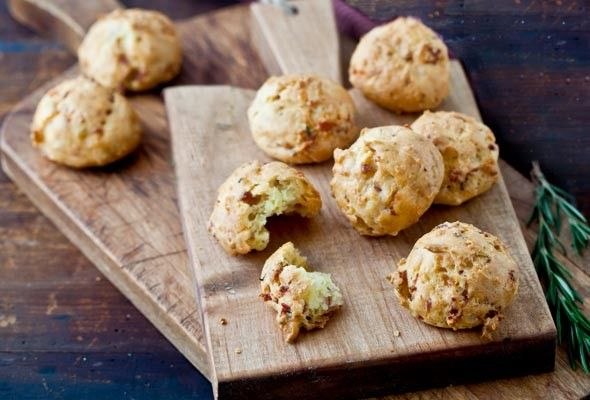 Prosciutto-Parmesan puffs from Leite's Culinaria by David Leite