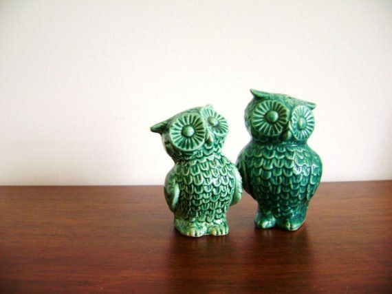 Vintage pair of ceramic owl salt and pepper shakers turquoise