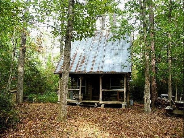 Small Rustic Log Cabin For Sale Country Cabins Pinterest