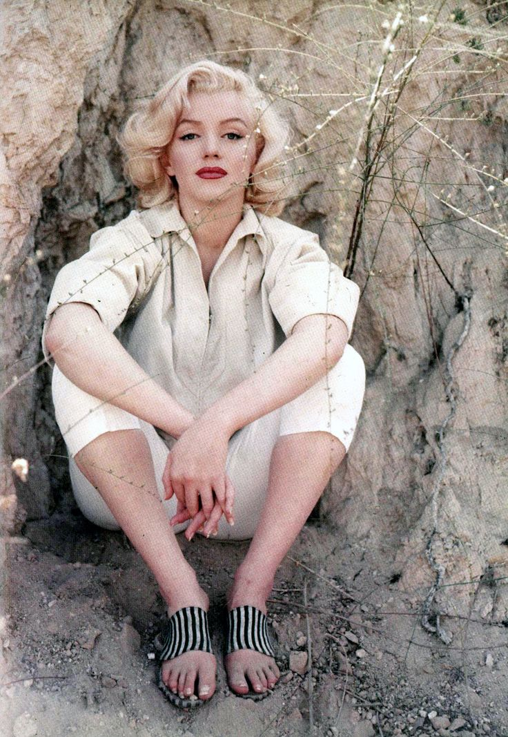 Marilyn Monroe photographed by Milton Green in Laurel Canyon in 1953