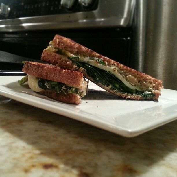 This #green grilled cheese sammie just became a fave. Hereby committed ...