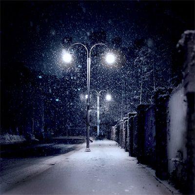 winter streetlights