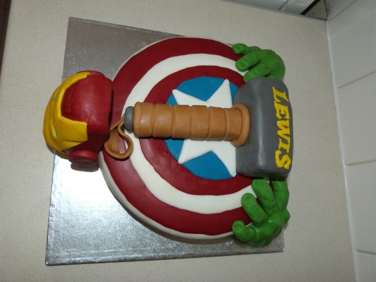 Avengers birthday cake. - The SuperHeroHype Forums