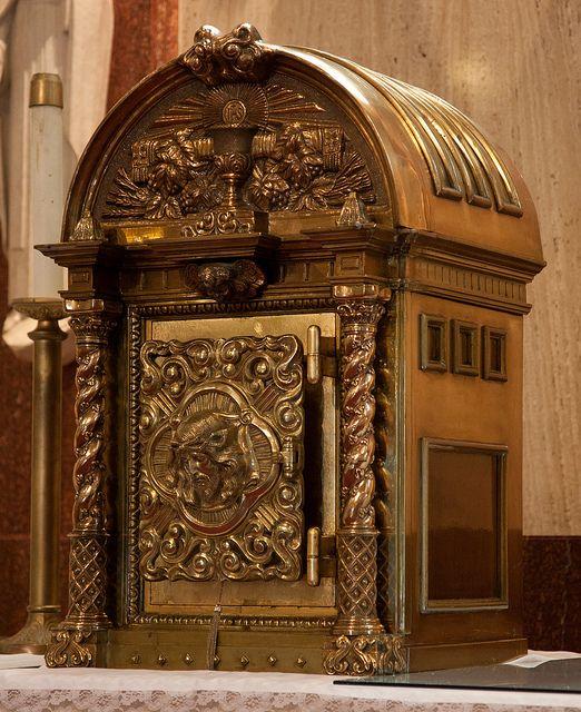 Tabernacle at St. Landry Catholic Church | ️ Roman ...