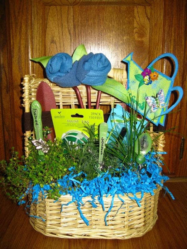 Garden Baskets Ideas - Ideas Herb Garden Baskets, Garden Hose Gift ...