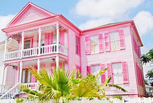 Big pink house 100 cute pinterest for Big cute houses