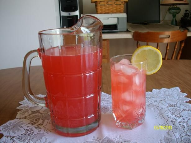 Old Fashioned Pink Lemonade. Photo by Domestic Goddess