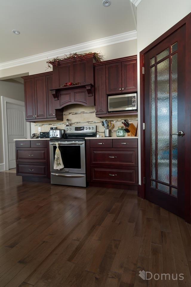 Kitchens with Dark Hardwood Floors 640 x 960