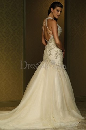 Wedding Dresses Under $100 In  : Plus size wedding gowns under berlin