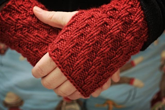 Hand Wrist Warmers Knitting Pattern : ravelry: hand/wrist warmers pattern Knitting Pinterest