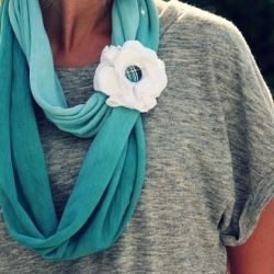t-shirt scarf with flower and button
