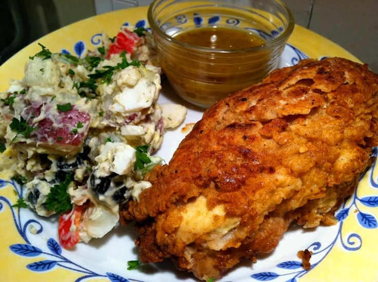 Fried Chicken and potato salad | Hot Fun in the Summertime | Pinterest