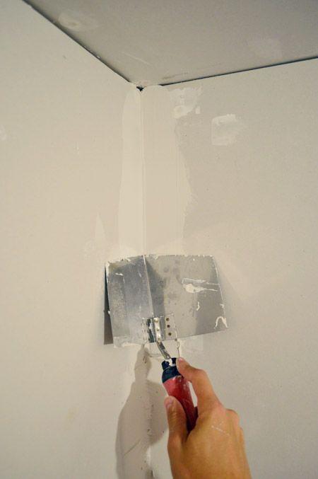 Mudding and taping drywall