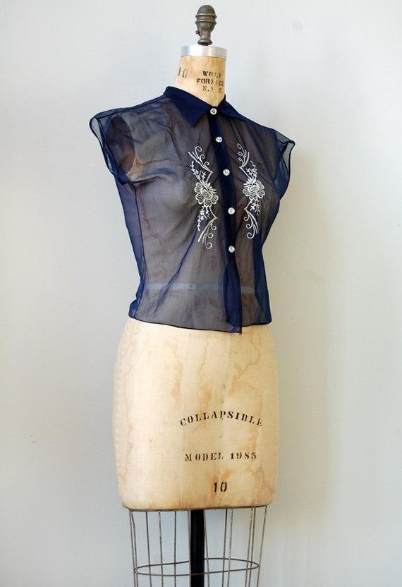 vintage 1950s blouse. vintage navy blue top. #vintage