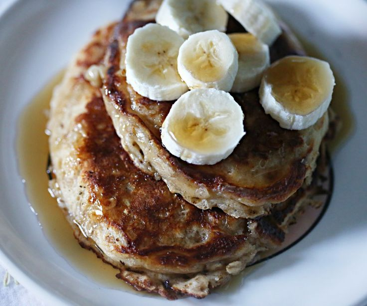 Cinnamon Oatmeal Pancakes- I substituted apple sauce for yogurt and ...