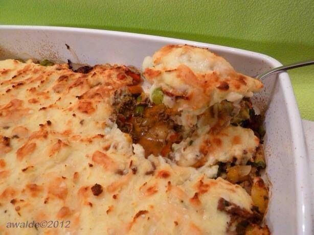 Easy Shepherd's Pie 1lb ground beef 2 cups hot mashed potatoes 4oz ...