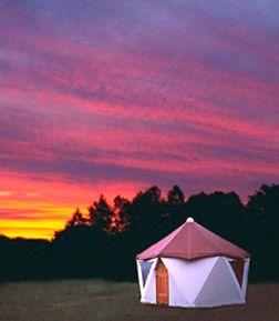 I want to live in a Yome. Part yurt, part geodesic dome.