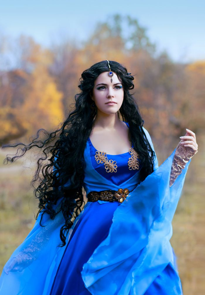 Queen Vashti Costume morgana - blue medieva...