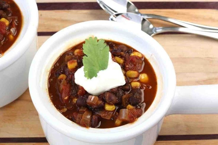 Smoky Black Bean & Corn Vegetarian Chili | Vegetarian | Pinterest