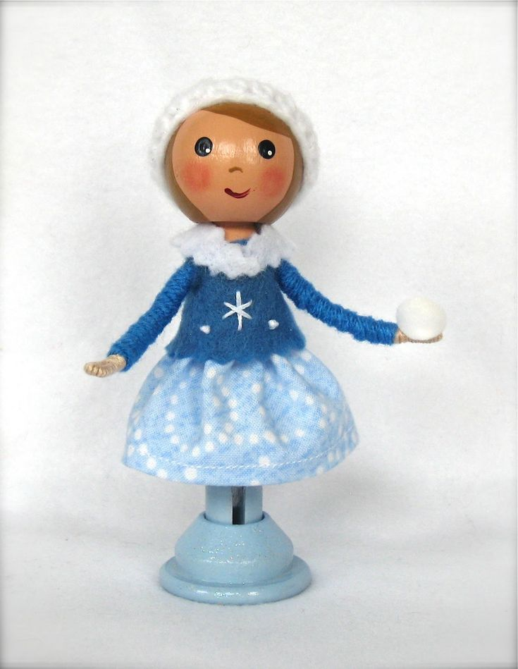 Clothespindollvideo clothespin dolls crafts pinterest for Pinterest dolls
