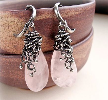 Nice wire wrapping at top of earrings!