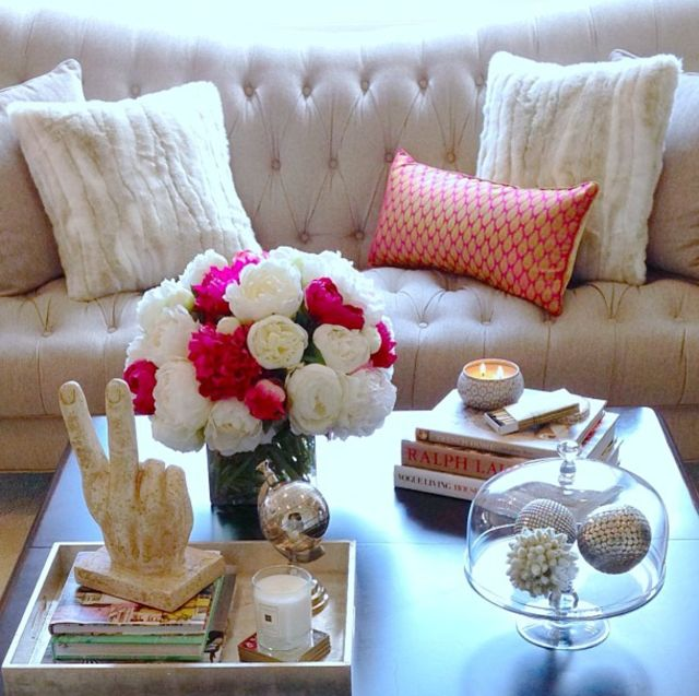 cute coffee table decor {the pink peonies}