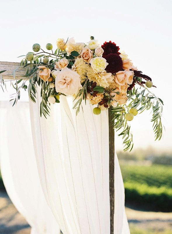 Shotgun florals my baby pinterest for Flower sprays for weddings