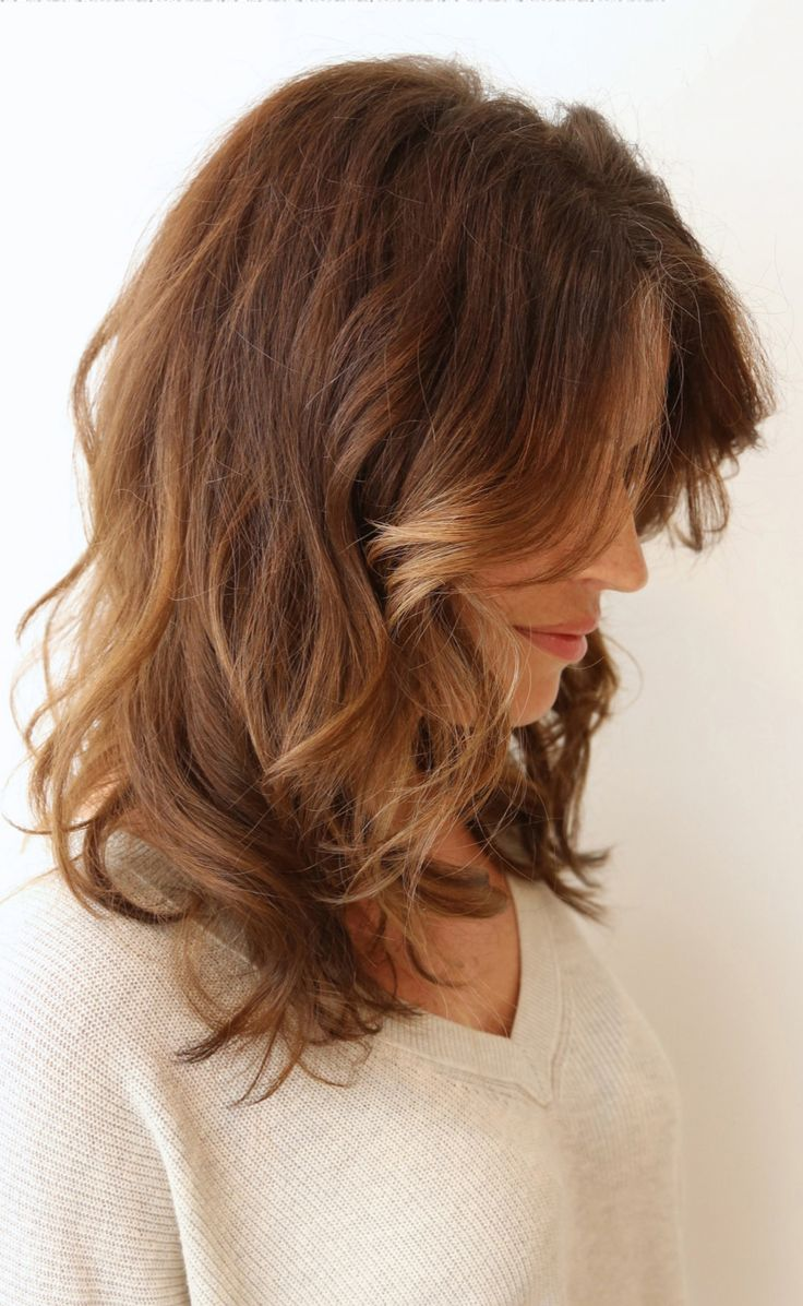 Waves mid length / Awe Fashion Hairstyles Inspiration