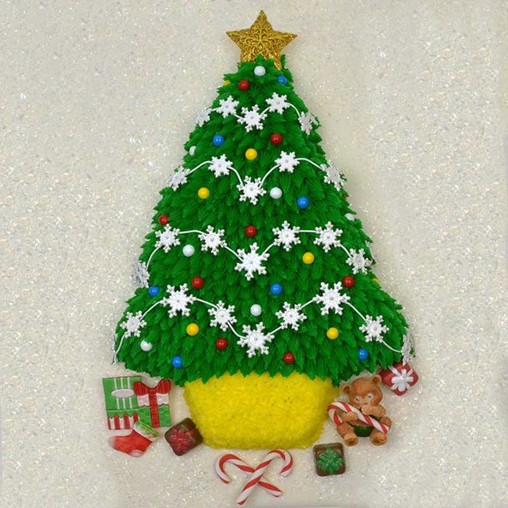 Images Of Christmas Tree Cake : Pin by Global Sugar Art on It s Beginning to Look a lot ...