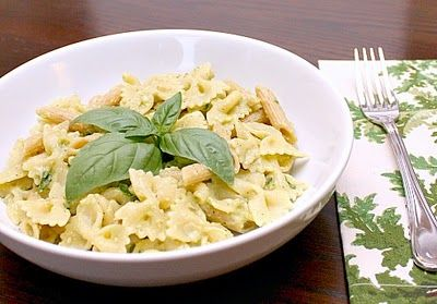 Meatless Monday--15 Minute Creamy Avocado Pasta - add white beans for ...