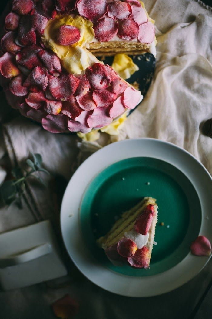... in Cooking: An Edible Flower Workshop & Salted Caramel Rose Cake