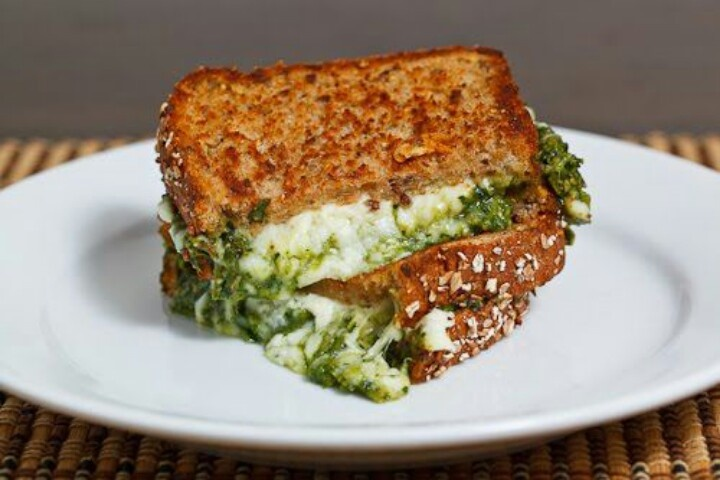Spinach pesto grilled cheese | Breads & Sandwiches | Pinterest