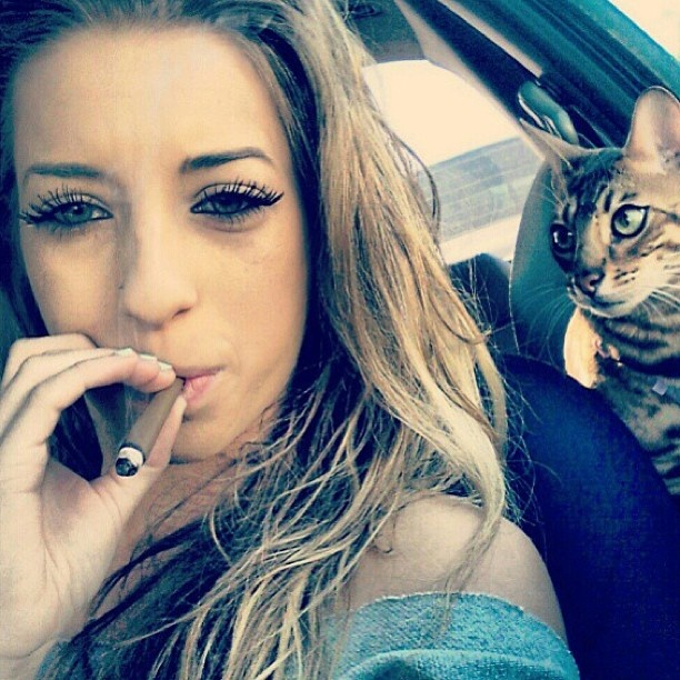 weed single girls Best marijuana dating site for the cannabis community and all 420 friendly people register for free and date with single girls that love to smoke weed or enjoy pot in their lifestyle.
