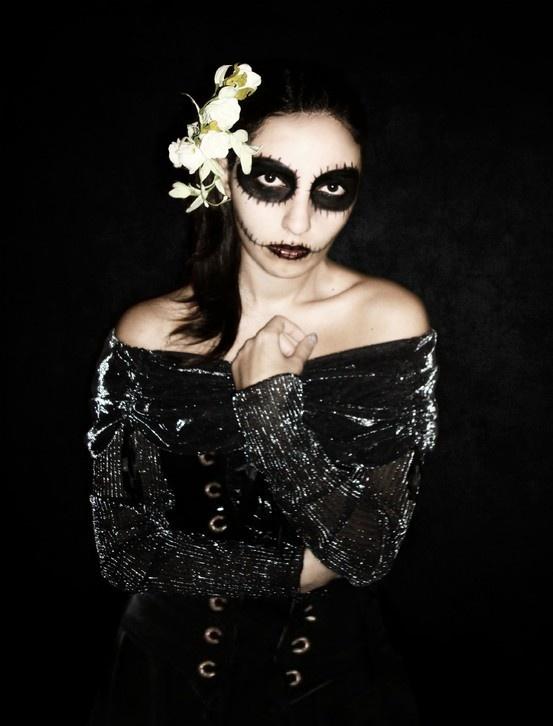 goth gothic make up