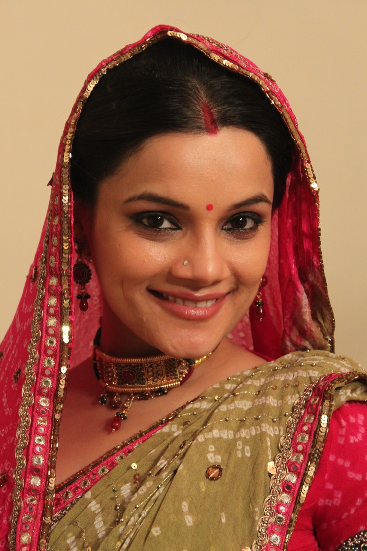 Diya Aur Baati Hum Cast - india-forums.com